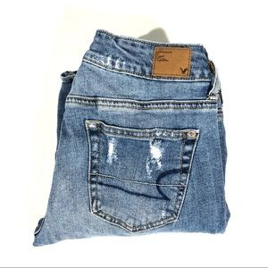 AEO Low Rise Stretch Distressed Boy Fit Crop Jeans